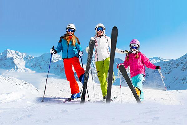แนะนำเทคนิคการเล่นสกีเบื้องต้น